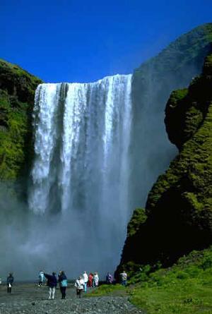 Take An Icelandic Adventure: 5 Top Reasons To Visit Iceland